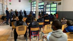 Remise de 18 ordinateurs aux jeunes du lycée professionnel St-Jean